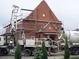Odbudowa kościoła. Szynkielów. 1.06.2007 r.