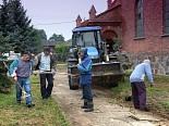 Odbudowa kościoła. Szynkielów 20.06.2007 r.