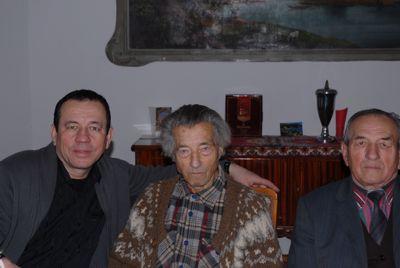 Na zdjeciu: w środku Andrzej Nekanda-Trepka, po lewej, Andrzej Marek Urbaniak i po prawej jego ojceic Franciszek Urbaniak